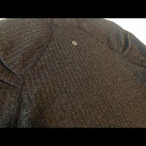 Lululemon Houndstooth ruffle sleeve shirt